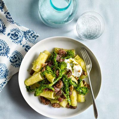 "Rigatoni and sausage get a nutritious boost from walnut pesto and broccoli rabe.<br /><br /><b>Recipe: <a href=""/recipefinder/pasta-walnut-pesto-sausage-broccoli-rabe-recipe"" target=""_blank"">Pasta with Walnut Pesto, Sausage, and Broccoli Rabe</a></b>"