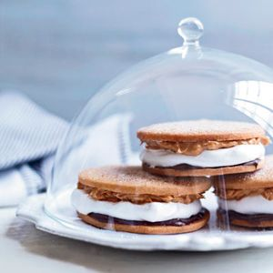 "<p>Moon pies are classic Southern sandwich cookies. Rebekah Turshen, the pastry chef at Nashville's <a href=""http://cityhousenashville.com/"">City House</a>, spreads crispy sugar cookies with chocolate and peanut butter, then sandwiches them around a marshmallow filling.</p><p><b>Recipe:</b> <a href=""/recipefinder/chocolate-peanut-butter-moon-pies-recipe-fw0910""><b>Chocolate–Peanut Butter Moon Pies</b></a></p>"