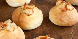 """<p>Jessamyn Waldman makes her excellent focaccia rolls from a dough she learned while baking at New York City's Restaurant Daniel. When she sells the rolls at farmers' markets, she varies the toppings by season; she uses potato and rosemary in the winter and tomatoes and feta in the summer.</p><br /><p><b>Recipe:</b> <a href=""""/recipefinder/rosemary-potato-focaccia-rolls-recipe"""" target=""""_blank""""><b>Rosemary-Potato Focaccia Rolls</b></a></p>"""