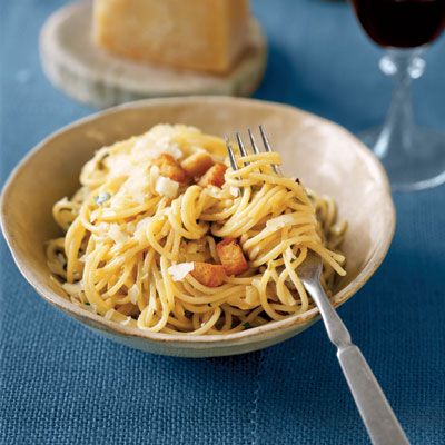 """<p>There are a couple good reasons busy moms and dads love pasta: it's fairly cheap and doesn't take too long to cook. These pasta dishes get some help in the flavor department thanks to some smart ingredients.</p><br /><a href=""""/recipes/cooking-recipes/12-no-fuss-pasta-recipes"""" target=""""_blank""""><b>12 No-Fuss Pasta Recipes</b></a><br /><a href=""""/recipes/cooking-recipes/quick-pasta-dishes"""" target=""""_blank""""><b>5-Ingredient Pasta Dishes</b></a><br /><a href=""""/recipes/cooking-recipes/easy-pasta"""" target=""""_blank""""><b>15 Easy Pasta Recipes</b></a><br /><br /><b>Pictured Recipe:</b> <a href=""""/recipefinder/easy-pantry-pasta""""target=""""_new""""><b>Easy Pantry Pasta</b></a>"""