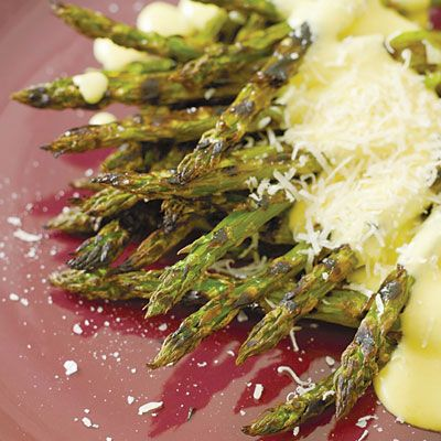 "Chef <a href=""http://www.mariobatali.com/"" target=""_blank"">Mario Batali</a> chars his asparagus on the grill, then serves it with a superrich zabaglione sauce spiked with black pepper.<br /><br /><b>Recipe: <a href=""/recipefinder/grilled-asparagus-pepper-zabaglione-recipe-fw0410"" target=""_blank"">Grilled Asparagus with Pepper Zabaglione</a></b>"