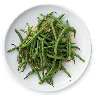 "A warm dressing made with shallots, cider vinegar, and a little sugar gives fresh steamed green beans a sweet and sour flavor.<br /><br /><b>Recipe: <a href=""/recipefinder/sweet-sour-green-beans-recipe-fw0410"" target=""_blank"">Sweet-and-Sour Green Beans</a></b>"