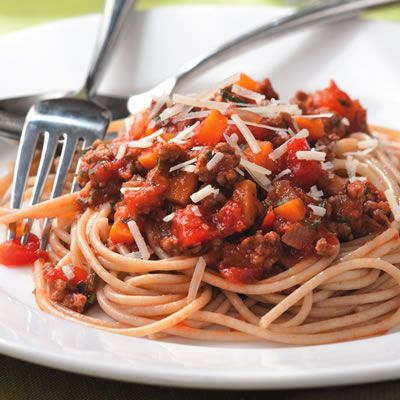 <p>Instead of opening a jar, try this easy spaghetti with meat sauce on a weeknight. Serve with steamed broccoli or other greens, and a loaf of piping hot garlic bread. </p><br />
