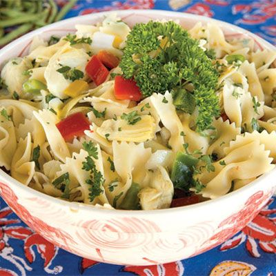 "<p>If you're looking for a quick and easy dish to bring to a picnic or a potluck, look no further. Ready in about 30 minutes, this refreshing pasta salad from Food Network star Paula Deen is full of fresh peppers and onions, and drizzled with Italian dressing. Since there's no mayonnaise or egg content, it's safe to travel with, so bring it along to your next shindig, potluck, or party!</p><br /><p><b>Recipe:</b> <a href=""/recipefinder/paula-deen-bow-tie-pasta-salad"" target=""_blank""> <b>Bow-Tie Pasta Salad</b></a></p>"