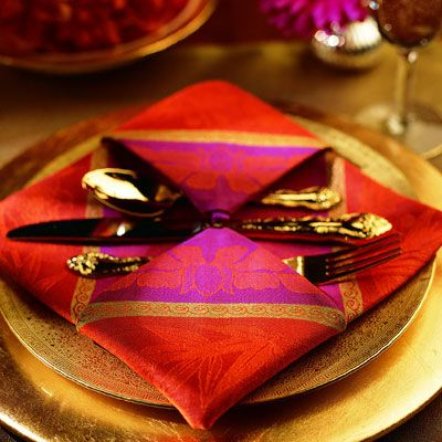 <p>For best results, starch and press the napkin to highlight the crisp lines.</p><br />