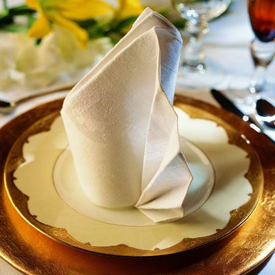 <p>Be sure to use a crisp, starched napkin for best results.</p><br />