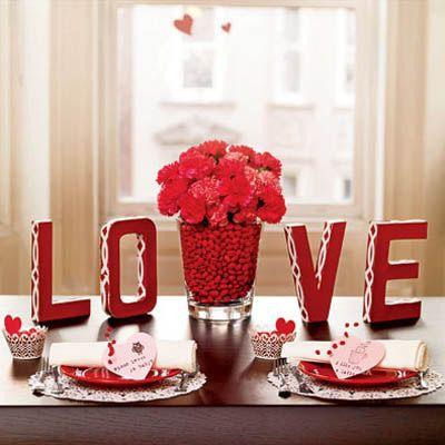 DIY Valentine\u0027s Day Table Decorations Settings and Centerpieces - Delish.com & DIY Valentine\u0027s Day Table Decorations Settings and Centerpieces ...