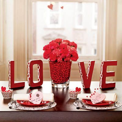 DIY Valentineu0027s Day Table Decorations Settings and Centerpieces - Delish.com & DIY Valentineu0027s Day Table Decorations Settings and Centerpieces ...