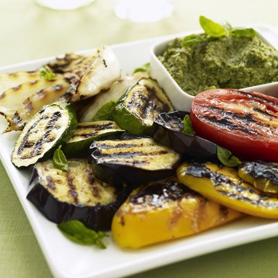 "Who says meat is the only thing to grill up? Here, a complete guide to grilling vegetables. All grilling times are based on a grill preheated to medium-high.<br /><br /> <a href=""/grilling-vegetables""target=""_new"">Guide to Grilling Vegetables</a>"