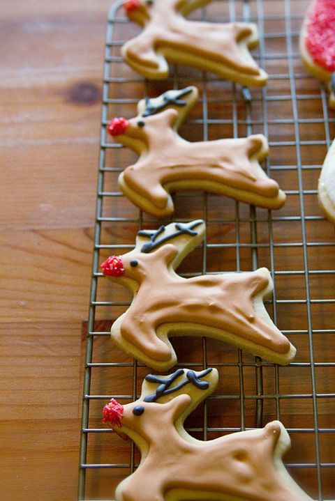 "<p><br /><strong>Get the recipe from <a href=""http://www.tellloveandchocolate.com/2011/12/tell-sparkly-christmas-cookies.html"" target=""_blank"">Tell Love and Chocolate</a>.</strong></p>"