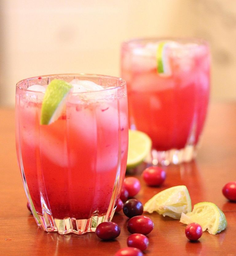 "<p>Feel frisky this Fall with this festive Cranberry Vodka Spritzer!</p> <p><strong>Get the recipe from <a href=""http://lisasdinnertimedish.com/?p=4628