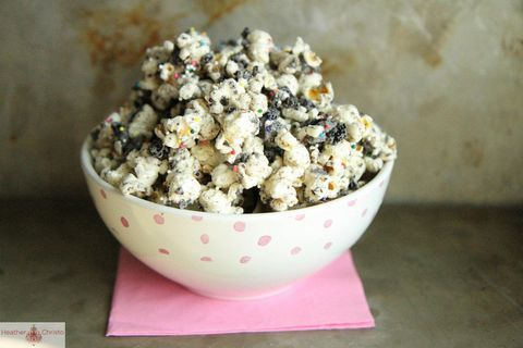 "<p class=""Body"">Move over caramel corn. There's a new sweet take on a salty favorite.</p> <p class=""Body"">Get the recipe at <a href=""http://heatherchristo.com/cooks/2012/09/23/cookies-and-cream-popcorn/"" target=""_blank"">Heather Christo</a>.</p>"