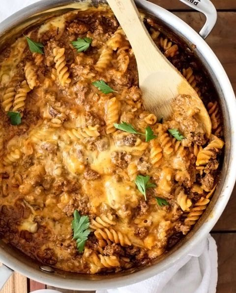 "<p></p> <p><strong>Get the recipe from <a href=""http://www.foodiecrush.com/2014/02/homemade-cheeseburger-macaroni"" target=""_blank"">FoodieCrush</a>.</strong></p>"