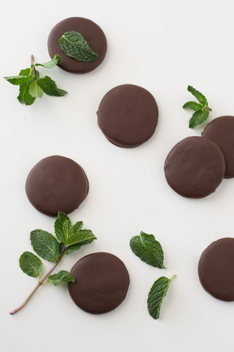 Food, Sweetness, Ingredient, Chocolate, Dessert, Giri choco, Snack, Chocolate truffle, Confectionery, Baked goods,