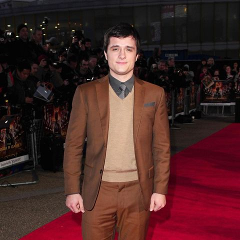 Brown, Coat, Trousers, Shirt, Dress shirt, Collar, Outerwear, Suit, Formal wear, Style,