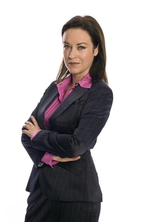 Collar, Sleeve, Shoulder, Standing, Formal wear, Dress shirt, Blazer, Waist, Purple, Employment,