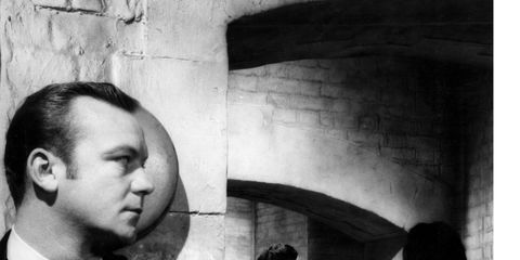 Forehead, Eyebrow, Arch, Wall, Jaw, Monochrome, Temple, Monochrome photography, Black-and-white, Stone wall,