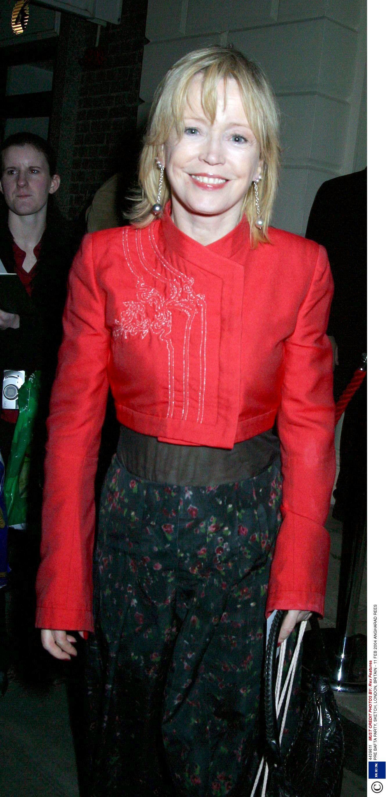Linda Griffiths Hot tube Omahyra Mota DOM 1 2001,Carla Lehmann