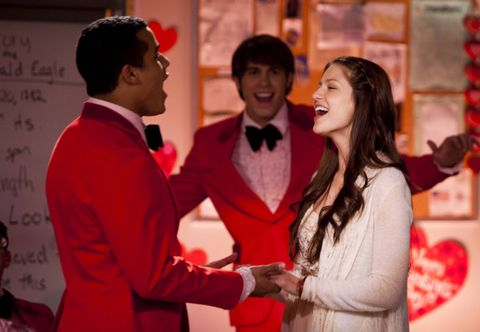 Glee': Shock hook-ups and reunions