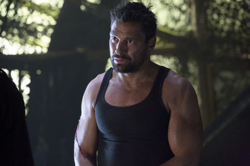 manu bennett weight and height