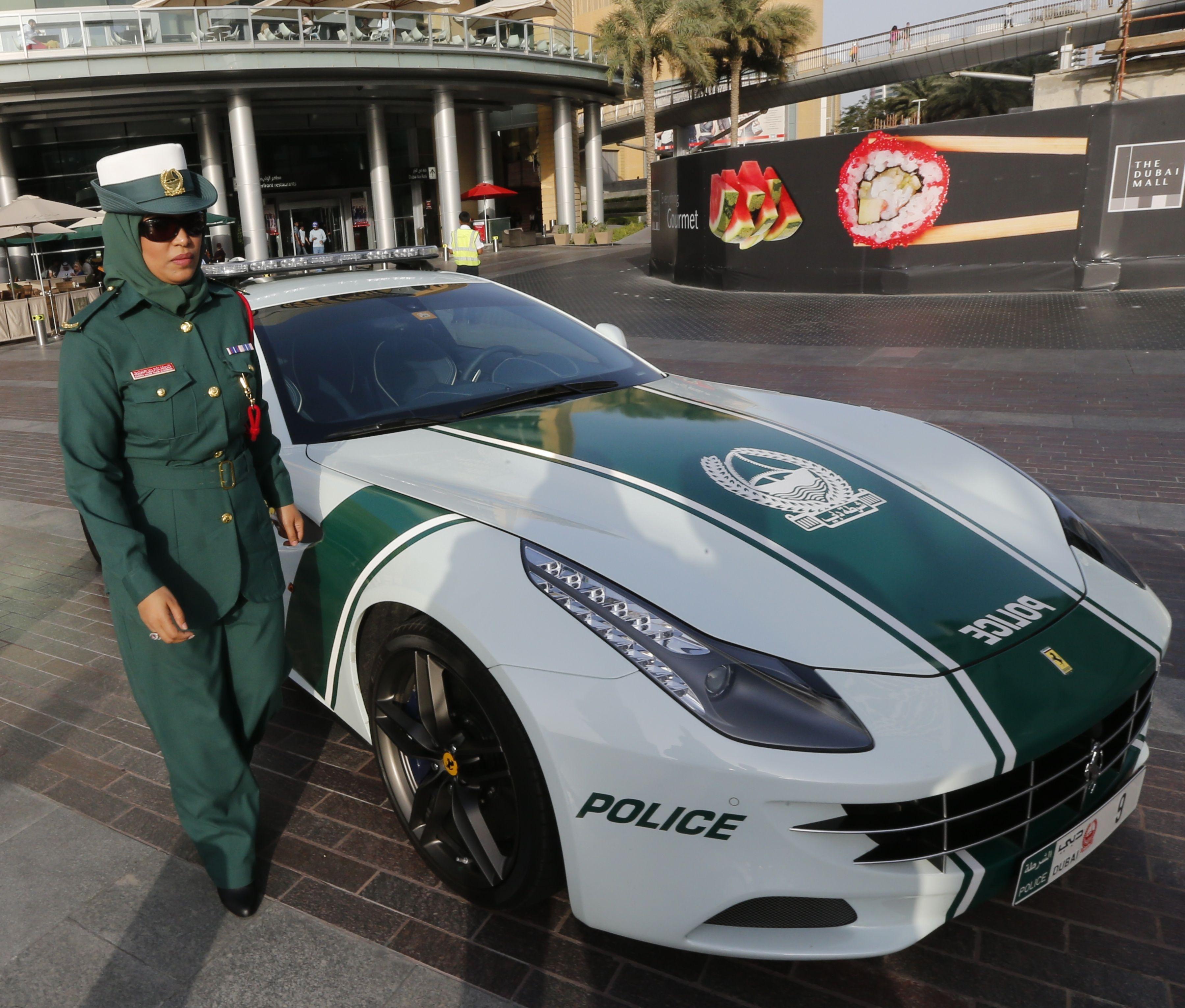 Dubai Police Unveil Ferrari Patrol Car