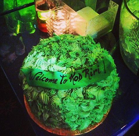 Pleasing Rihanna Celebrates With Cannabis Cake Funny Birthday Cards Online Benoljebrpdamsfinfo