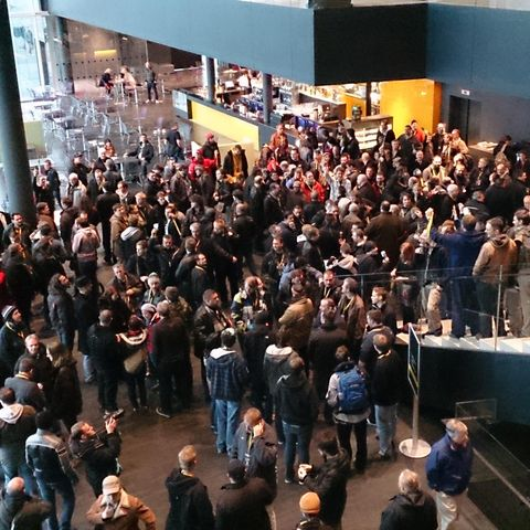 Crowd, People, Audience, Convention, Fan, Convention center, Queue area,
