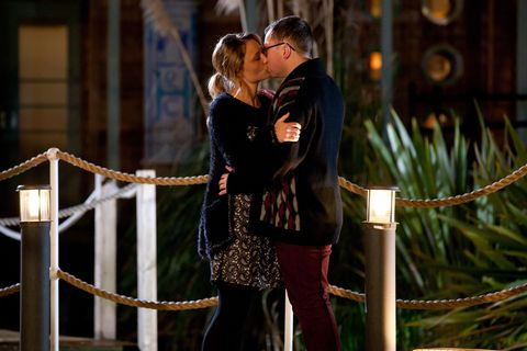 Kiss, Romance, Interaction, People in nature, Love, Honeymoon, Scene, Ceremony, Tradition, Gesture,