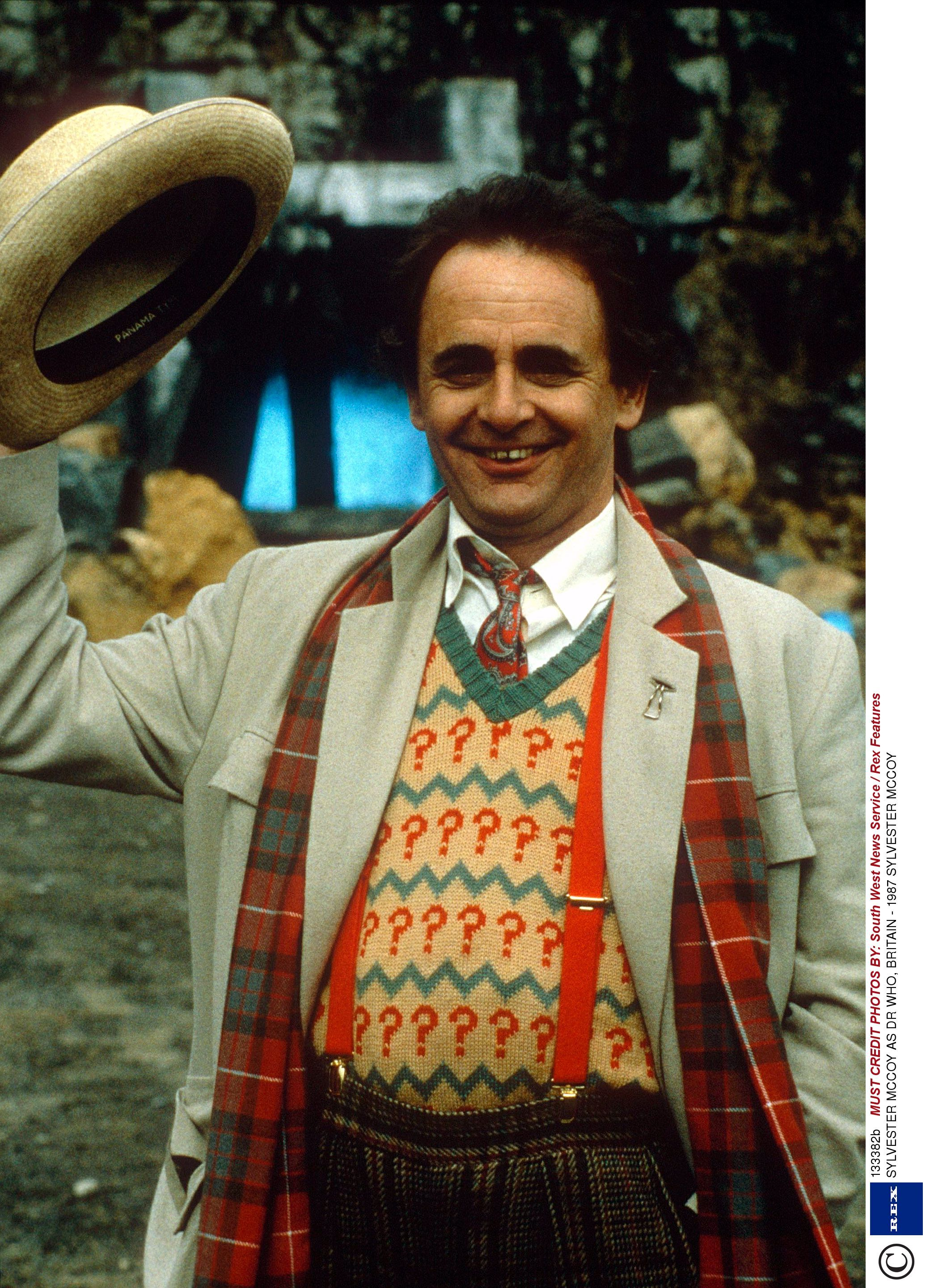 Sylvester McCoy doesn't want a female Doctor