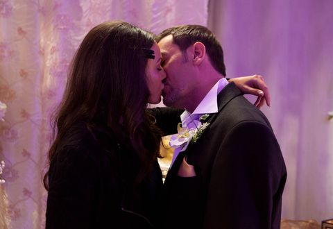 Corrie pictures: Peter and Tina kiss