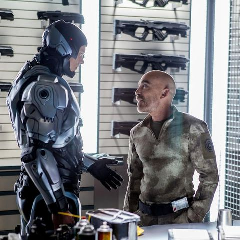Personal protective equipment, Helmet, Fictional character, Machine, Armour, Window covering, Window blind, Job, Robot, High and tight,