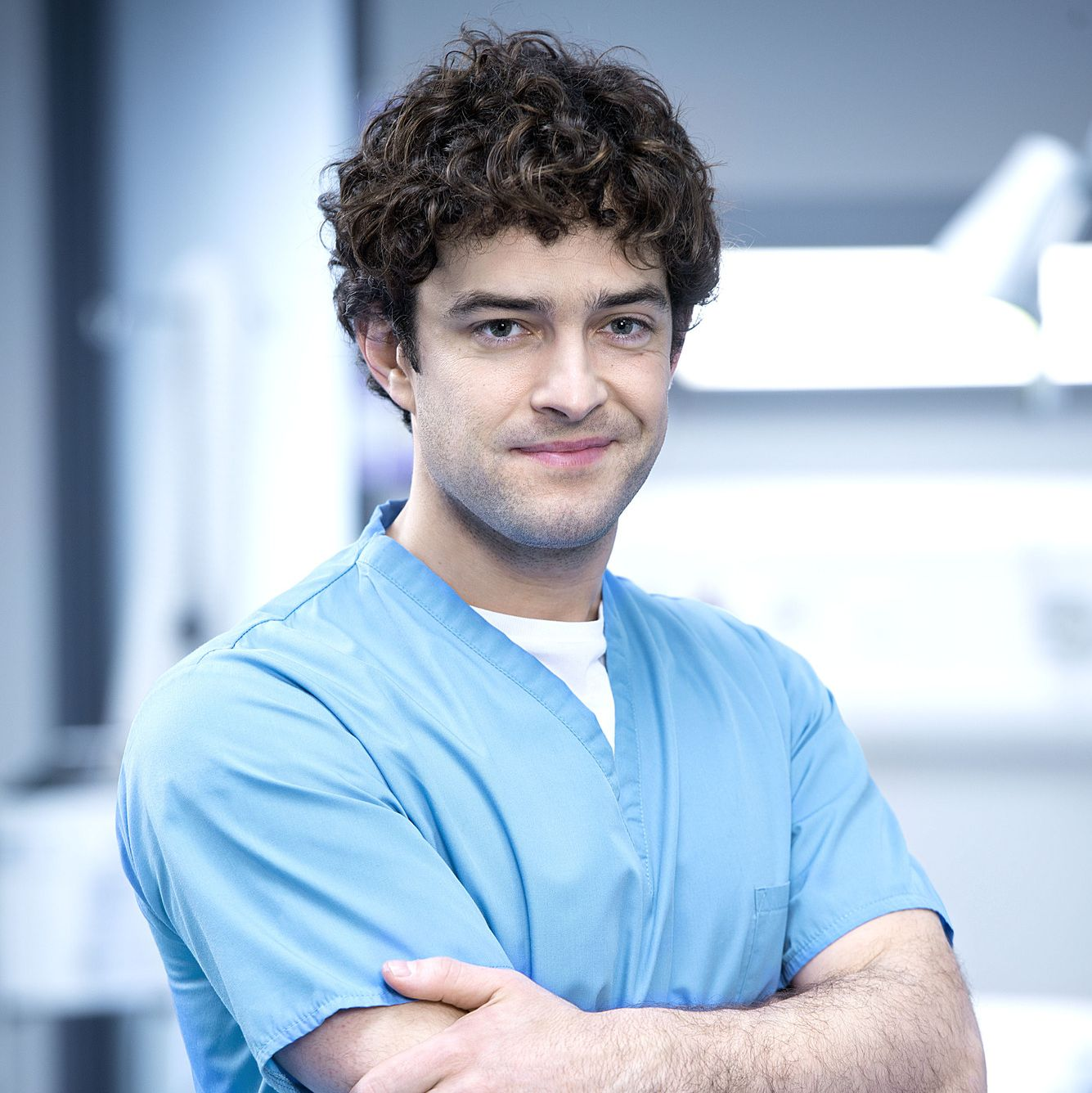 Holby City star Lee Mead confirms Lofty Chiltern will be sticking around