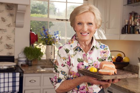 Mary Berry Cooks 9 Mouthwatering Moments