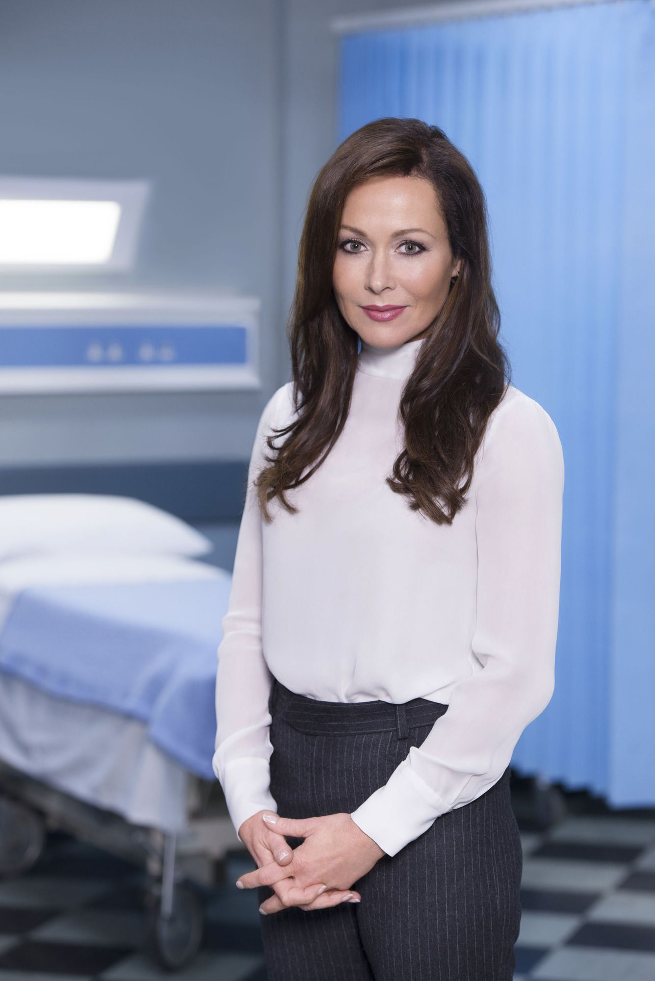 Amanda Mealing Actress casualty's amanda mealing thanks fans for support after that