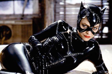 Catwoman, Latex clothing, Supervillain, Latex, Fictional character, Fetish model, Batman, Costume,