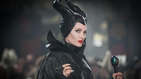 Maleficent 2 S Michelle Pfeiffer Unveils First Look At The