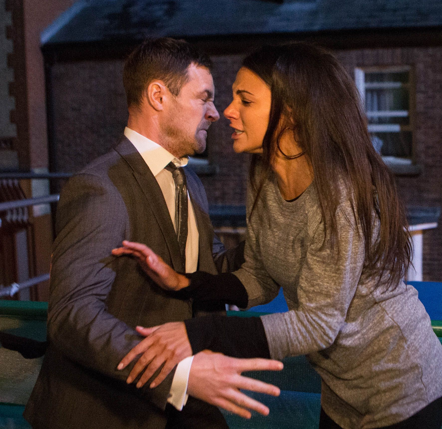 Who is tina from corrie dating