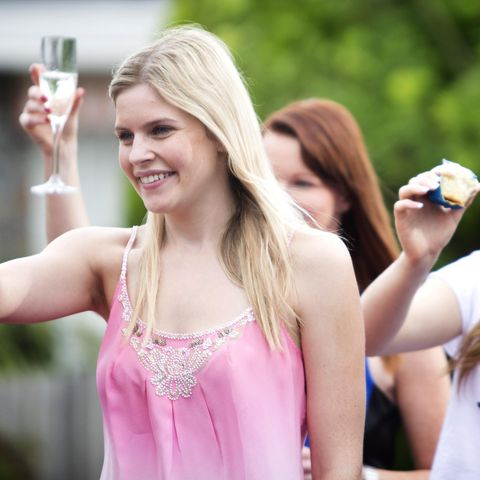 Hand, People in nature, Sleeveless shirt, Glass, Drink, Drinkware, Long hair, Blond, Chest, Drinking,