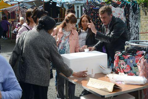 Arm, Public space, Temple, Marketplace, Market, Trade, Ceremony, Umbrella, Selling, Box,