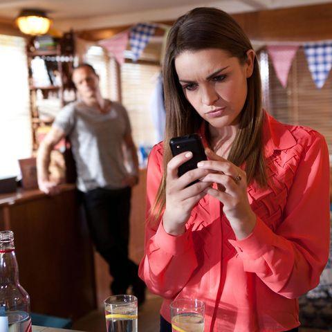 Drink, Alcohol, Barware, Mobile phone, Alcoholic beverage, Bottle, Drinkware, Tableware, Beer glass, Beer,