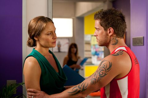 Ear, Hairstyle, Shoulder, Tattoo, Wrist, Jewellery, Neck, Sleeveless shirt, Chest, Temporary tattoo,
