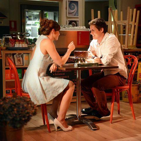 Lighting, Human body, Furniture, Flowerpot, Sitting, Table, Shelf, Chair, Dress, Conversation,