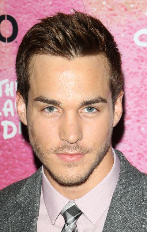 Vampire Diaries casts Carrie Diaries actor