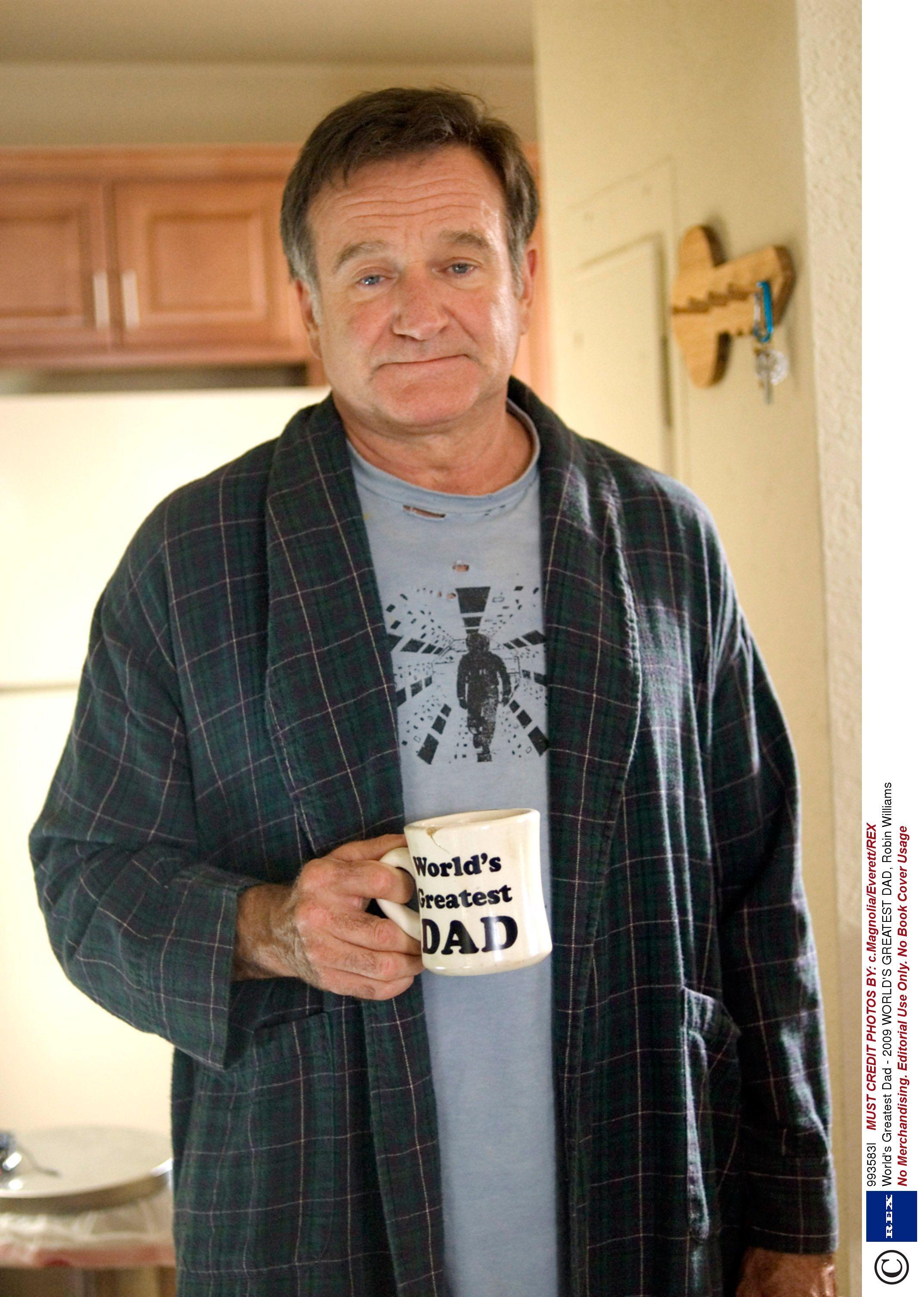 A Merry Friggin Christmas Trailer.Robin Williams A Merry Friggin Christmas Trailer