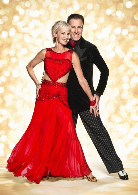 Clothing, Dress, Red, Formal wear, One-piece garment, Gown, Interaction, Fashion, Waist, Day dress,