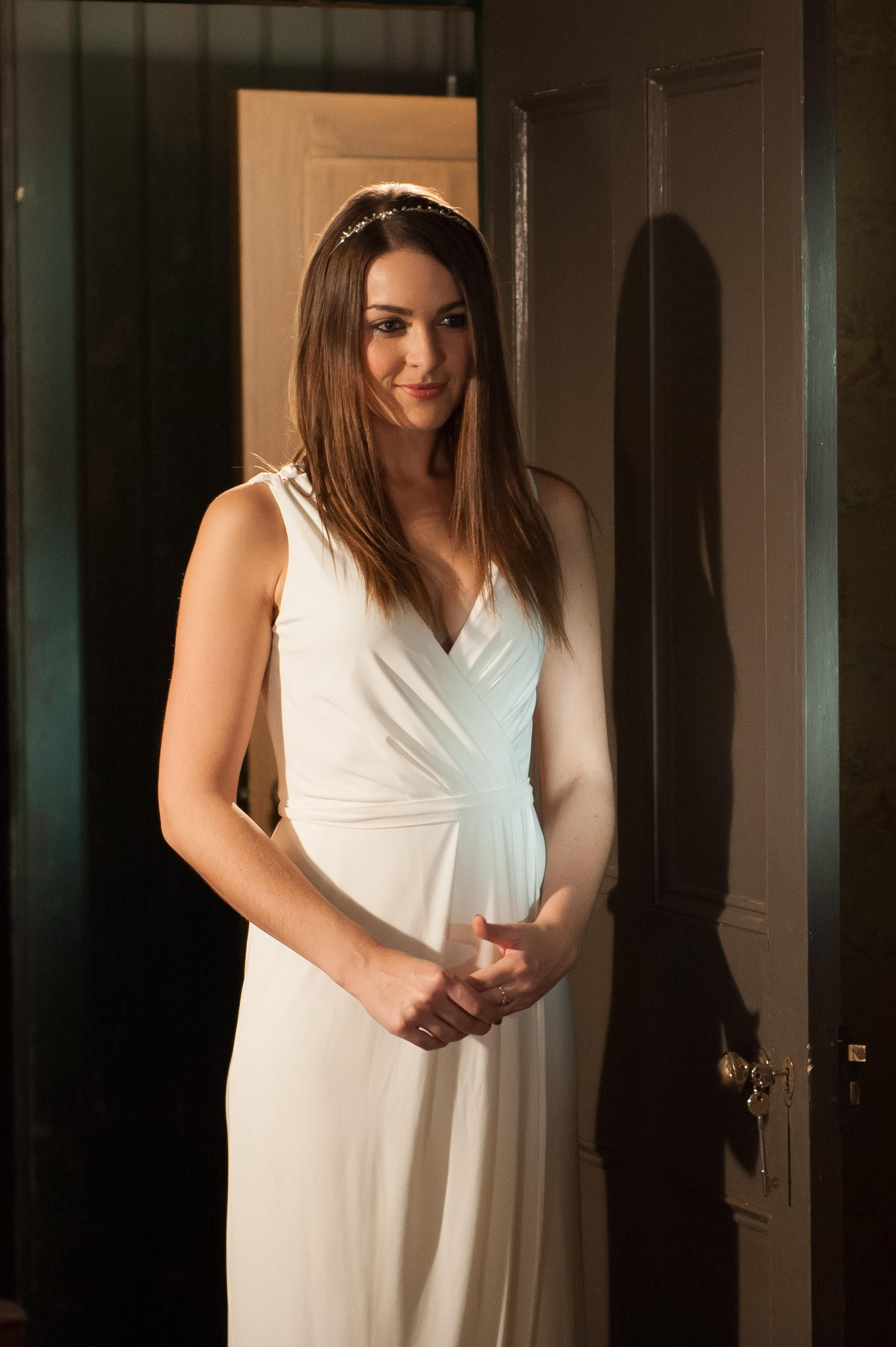 Hollyoaks: See Sienna's shock wedding plan