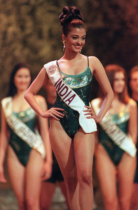 Priyanka Miss World Swimsuit Round Awkward