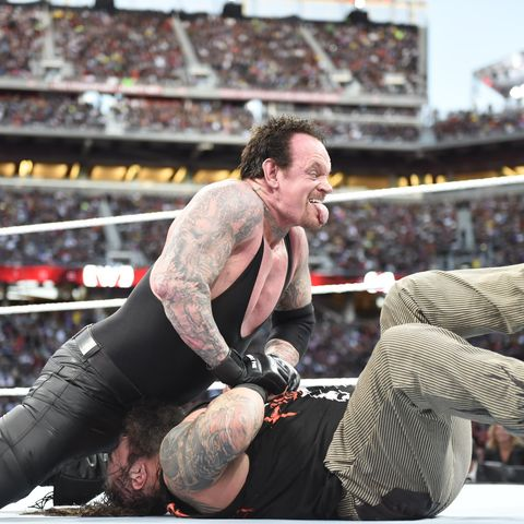 Bray Wyatt vs The Undertaker