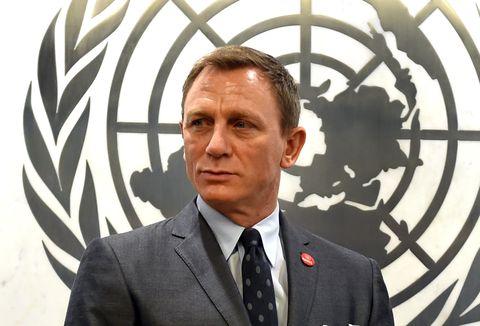 Daniel Craig won't quit Bond after Spectre