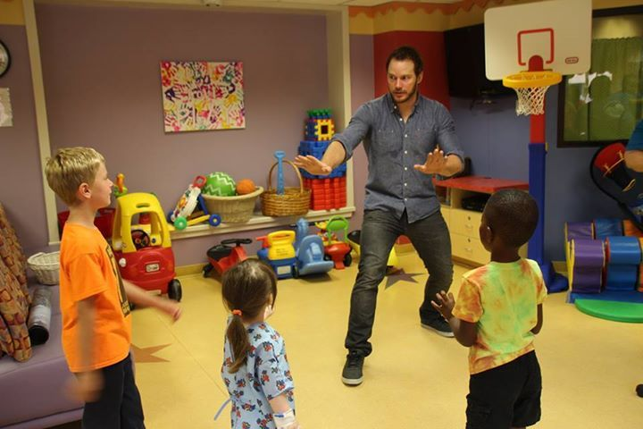 Chris Pratt recreates Jurassic World scene during children's hospital visit